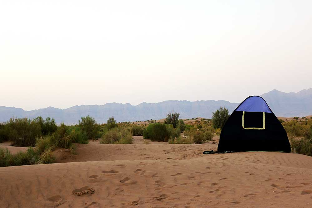 woestijn-iran-tent